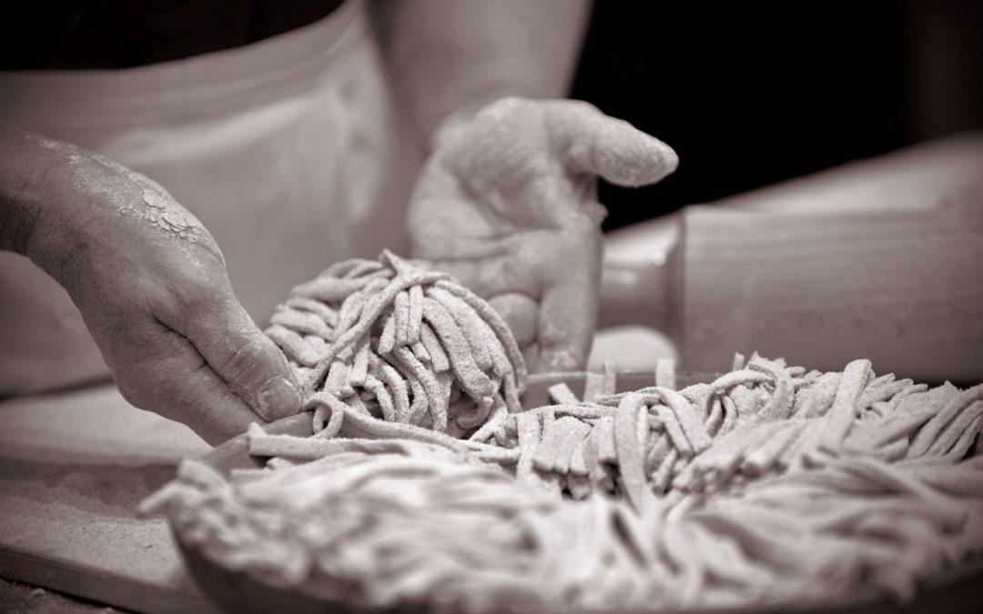 Visita a Teglio, preparazione pizzoccheri e mulino Menaglio